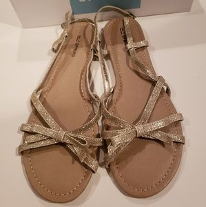 Gold sandals with cute bow